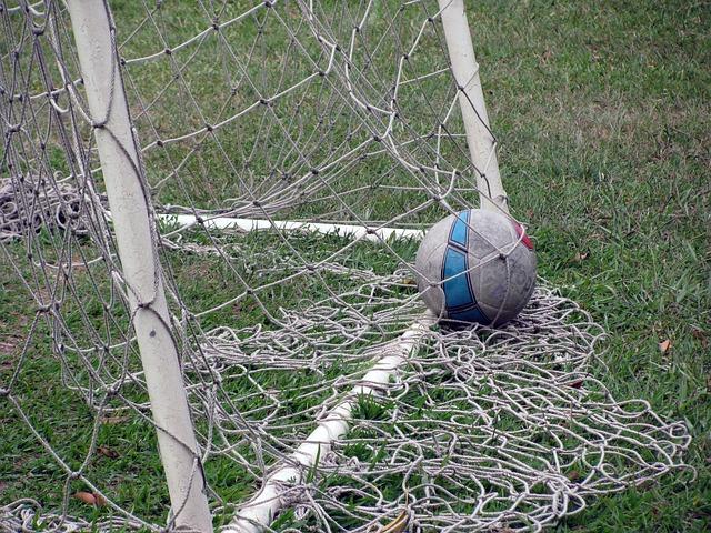 football-542297_640